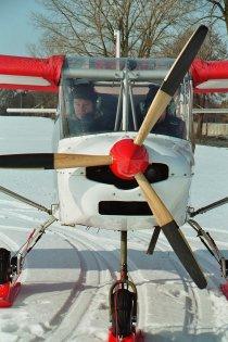 Samolot SkyRanger widziany od przodu